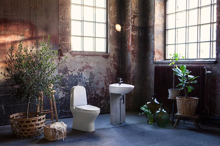 Färg är en av de nya badrumstrenderna